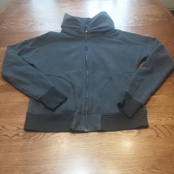 Women's Lululemon sweatshirt 10 $ 30.00 #1077